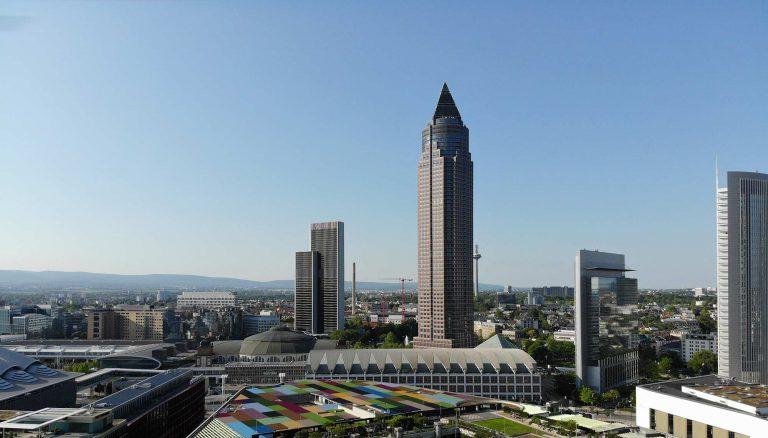 messeturm-frankfurt-wolkenkratzer-hochhaus-helmut-jahn-officefirst